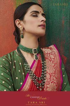 Beaded Jewelry Designs, Jewelry Design Earrings, Gold Earrings Designs, Emerald Jewelry, Necklace Designs, Gold Jewelry, Fancy Jewellery, Indian Jewellery Design, Indian Jewelry