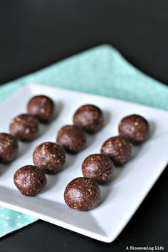 Chocolate Coconut Cashew Brownie Bites. No bake and healthy brownie bites are delicious and addicting!