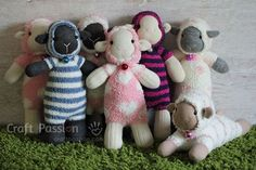 These adorable sheep are made from socks!! Free sewing pattern/tutorial. I think these trump the monkeys! :-)