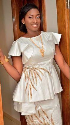Modél Latest African Fashion Dresses, African Dresses For Women, African Print Dresses, African Print Fashion, Africa Fashion, African Attire, African Wear, African Women, Plus Size Summer Outfit