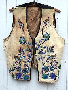 Clothing & Moccasins, Native American US, Cultures & Ethnicities, Collectibles Native American Patterns, Native American Clothing, Native American Regalia, Native American Artifacts, Native American Beadwork, Native American Fashion, Native Beadwork, Cree Indians, Gilet Costume