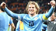 Se despide de la selección uruguaya: Diego Forlán - http://notimundo.com.mx/se-despide-de-la-seleccion-uruguaya-diego-forlan/