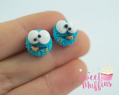 Cookie MonsterMiniature Food Polymer Clay by sweetmuffinsshop Cute Polymer Clay, Cute Clay, Polymer Clay Miniatures, Polymer Clay Charms, Diy Clay, Handmade Polymer Clay, Polymer Clay Earrings, Clay Crafts, Disney Clay Charms