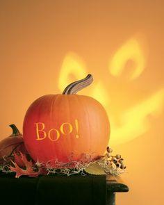 diy-halloween-decoration-ideas-35.jpg 330×413 pixels, carve backside pumpkin with scary face projection -- brilliant!