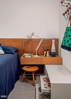 Apartamento pequeno integrado e decorado com móveis de Sergio Rodrigues - Casa