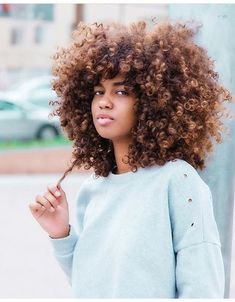 The ultimate natural hair care regimen + A FREE GUIDE The perfect hair care regimen for you Pelo Natural, Natural Hair Care, Natural Hair Styles, Natural Beauty, Natural Curls, Blonde Natural Hair, Big Hair, Your Hair, Pelo Afro
