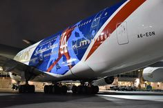 Night Flight - AirwaysLive -  Plane-spotter extraordinaire @official_speedbirdhd on Instagram took these shots of the new Emirates Dodgers livery
