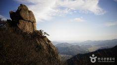 갖가지 기암괴석에서 만나는 바위산의 매력, 전남 영암 월출산