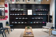To stave off retail stagnation, a new wave of running stores seeks to cultivate community while still selling shoes. Window Display Retail, Window Display Design, Interior Windows, Retail Interior, Retail Store Design, Retail Stores, Store Displays, Retail Displays, Running Stores
