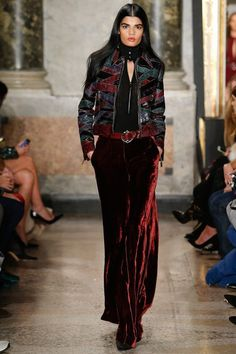 See the complete Emilio Pucci Fall 2015 Ready-to-Wear collection.