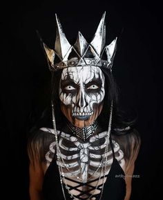 Skeleton Queen - Creepy Halloween Makeup Idea