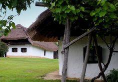 Őrség - Dunántúl - Hungary Traditional House, How Beautiful, Homeland, Countryside, Palace, Farmhouse, Houses, City, Plants