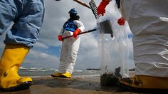 BP caps cash pipeline to research worst oil spill in US history - RT #OilSpill, #US, #Ecology