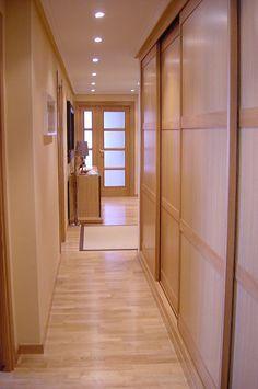 Marron intermedio con suelo y puertas roble | Decorar tu casa es facilisimo.com