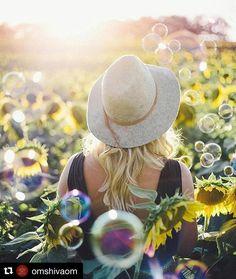 #Repost @omshivaom with @repostapp  Cada nuevo día es un regalo y una oportunidad para superarse para recomenzar nuestra lucha para rectificar para ser felices... Junto al sol las esperanzas de un nuevo día brillan al amanecer.  Un nuevo día una nueva oportunidad para hacer historia. Escribe la historia de tu vida con palabras de amor.  Un nuevo día hoy tienes la oportunidad de ser mejor. Lo que hoy hagas que sea mejor de lo que ayer hiciste pero no tan bueno como lo que realices mañana.  Un…