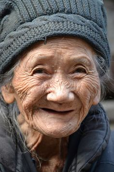 61 Ideas for funny face portrait happy Beautiful Smile, Beautiful World, Beautiful People, Foto Portrait, Portrait Photography, Just Smile, Smile Face, Old Faces, Ageless Beauty