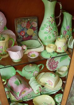 Delightful Carlton ware, beautiful old vintage serving with pleasure ./crafty lady/antiques too Vintage Crockery, Vintage China, Vintage Love, Vintage Ceramic, Vintage Kitchen, Vintage Heart, Vintage Stuff, Vintage Green, Carlton Ware