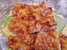 Cum se face cea mai rapidă și delicioasă pizza de casă - urmăriți pașii de preparare a unui aluat perfect! - Bucatarul.tv Hawaiian Pizza, Cauliflower, Vegetables, Mai, Food, Cauliflowers, Vegetable Recipes, Eten, Veggie Food
