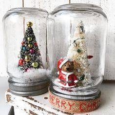 22+ Christmas in a Jar DIY Ideas For Gifting And Decor - The Creatives Hour Diy Christmas In A Jar, Cute Christmas Decorations, Christmas Snow Globes, Mini Christmas Tree, Christmas Centerpieces, Handmade Christmas, Decorated Jars, Jar Gifts, Diy Candles