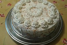 Nusstorte - Großmutters Rezept Cookie Desserts, Fun Desserts, Cake Recipes, Dessert Recipes, German Cake, Cake Cookies, Vanilla Cake, Great Recipes, Sweet Treats