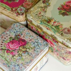 Three Victorian Style Tins By Michal Negrin The ultimate shop in Israel! Hd Vintage, Vintage Tins, Vintage Love, Vintage Antiques, Vintage Floral, Vintage Storage, Shabby Chic Vintage, Shabby Chic Style, Shabby Chic Decor