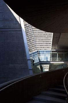 Asaf Lerman updates Oscar Niemeyer's Haifa University library building in Israel