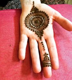 Henna Mehndi Designs which you can easily pull off to college. You will find some Easy, Elegant, Simple, and Beautiful Mehndi Designs of Henna Hand Designs, Dulhan Mehndi Designs, Round Mehndi Design, Mehndi Designs Finger, Palm Mehndi Design, Mehndi Designs For Kids, Modern Mehndi Designs, Mehndi Designs For Beginners, Mehndi Design Photos