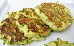 Zucchini patties with ricotta (baked) Zucchini Patties, Baby Food Recipes, Healthy Recipes, Lasagna, Baked Potato, Quiche, Food And Drink, Beef, Baking