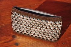 Bolsos de mano - Bolso tabaco cartera de mano con anillas de lata - hecho a mano por Birzikla en DaWanda