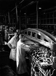 Hans Gunter Flieg - Fábrica de calçados Clark, 1953. Bairro da Mooca; Rua da Mooca, São Paulo - SP. Foto de Hans Gunter Flieg / acervo IMS.