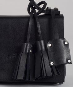 Black MECANO Nº1 detail by LESS BORE  #handmade #eco #Leather #cowhide #luxury #LessBore #label #handbag #slowfashion