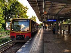 """S-Bahnhof """"Lichterfelde Ost"""" in Berlin"""
