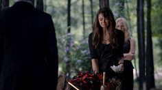 Bawled my eyes out when Elena found out Bonnie died, brought up so many of my own emotions for Hannah! Mystic Falls, Vampire Diaries The Originals, Delena, Nina Dobrev, Vampires, Funeral, My Eyes, Addiction, Goals