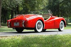 Triumph long door - Beautiful in red! British Sports Cars, American Sports, Coventry, Sport Cars, Race Cars, Triumph Sports, Triumph Tr3, Ex Machina, Unique Cars