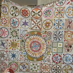 I have attended lots of quilty things over the past month and will try to share lots of photos with you. First up was Castlemaine Applique ...
