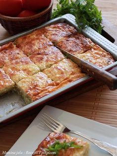 Mamina jela: Prolećni ručak s tikvicama Bosnian Recipes, Croatian Recipes, Musaka, Macedonian Food, Vegetarian Recipes, Cooking Recipes, Good Food, Yummy Food, Food Garnishes