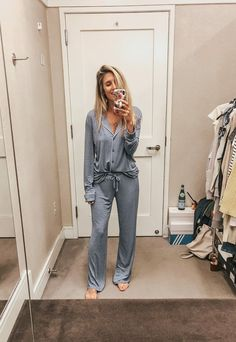 Favorite Picks from the Nordstrom Anniversary Sale - Lynzy & Co. - Best of the Nordstrom Anniversary Sale 2018 // All of the best cardigans, PJ sets, denim & more! Source by - Loungewear Outfits, Pajama Outfits, Cute Outfits, Cute Lounge Outfits, Lounge Pants Outfit, Pajama Party Outfit, Lazy Outfits, Pajama Shorts, School Outfits