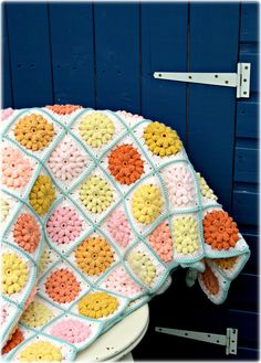 Coco Rose Diaries: Serendipity Another puffy flower blanket using 9 colors!! So pretty