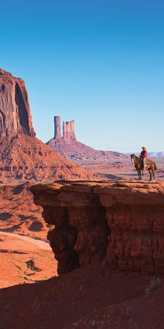 Monument Valley - the place where God put the West - John Wayne. By Sean Scott Desert Dream, Desert Life, Landscape Photography, Nature Photography, Travel Photographie, Desert Places, Parcs, Road Trip Usa, Western Art