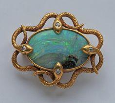 Tweets curtidos por angel (@angelwinee) / Twitter Jewelry Crafts, Jewelry Art, Fine Jewelry, Fashion Jewelry, Jewelry Design, Snake Jewelry, Sea Glass Jewelry, Opal Jewelry, Victorian Jewelry