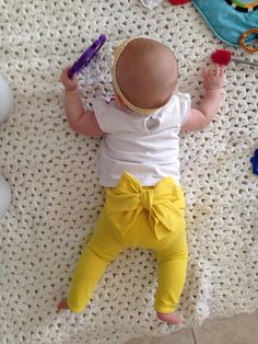 Sunny yellow leggings with bow on the rear 3T by BohemianBabies, $22.00