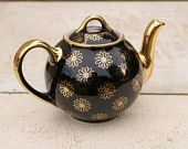 Daisies Black And Gold 6 Cup Hall Teapot