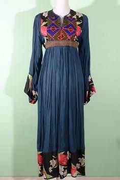 Amazing afghan folk vintage dress 60s On indivintage.com