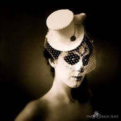 TwoBackFlats: Costume Bridal Mini Top Hat Birdcage Veil