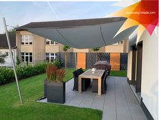 #Wettersegel #Beschattung #Rollsegel #Sonnenschutz  #Outdoorliving #easy2shade #wasserabweisend  #gartenideen #gartendesign #sommer2020  #lieblingsplatz #outdoorliving #garteninspiration #newideas #Terrassenbeschattung Outdoor Decor, Home Decor, Patio, Sun Sails, Solar Shades, Privacy Screens, Decoration Home, Room Decor, Home Interior Design