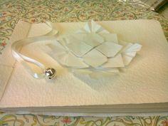Guestbook rilegato a mano con cucitura giapponese. Decoro Hydrandea.