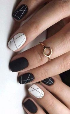 18 Outstanding Classy Nail Designs Ideas for Your Ravishing Look - Nageldesign - Nail Art - Nagellack - Nail Polish - Nailart - Nails - Cute Nail Art Designs, Classy Nail Designs, Black Nail Designs, Short Nail Designs, Easy Designs, Simple Nail Design, Striped Nail Designs, Clean Design, Classy Nails