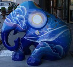 Title: Narai Artist: Nat Thamrongpitayanan Location: Scandic Copenhagen (hotel) African Forest Elephant, Asian Elephant, Elephas Maximus, Copenhagen Hotel, City Events, Elephant Parade, Southeast Asia, Elephants, Mammals
