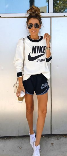 white and black Nike long sleeve shirt - Outfit.GQ - white and black Nike long sleeve shirt - Nike Shorts Outfit, Legging Outfits, Athleisure Outfits, Adidas Outfit, Nike Outfits, Sport Outfits, Pants Outfit, Fitness Outfits, Sporty Summer Outfits