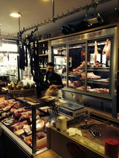 Boucherie des provinces : 20 Rue d'Aligre, 12th arr.; Métro: Ledru-Rollin Christophe Dru's eat-in butcher shop behind the Aligre farmers' market stalls. Each dish is cooked to order, served w/ garlicky sautéed potatoes & bottles of Christophe Pacalet Beaujolais, Dominique Léandre-Chevalier Bordeaux, & other natural wines. Sit at a communal table w/ chefs, restaurant staff, & top winemakers who consider Chez Chris their private club during lunch & on wkends. DON'T MISS: The côte de boeuf for…